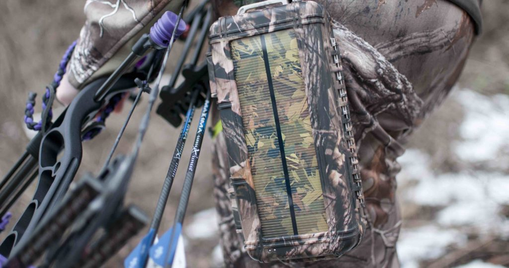 woman-bow-hunting-rokpak-pioneer-series-camo